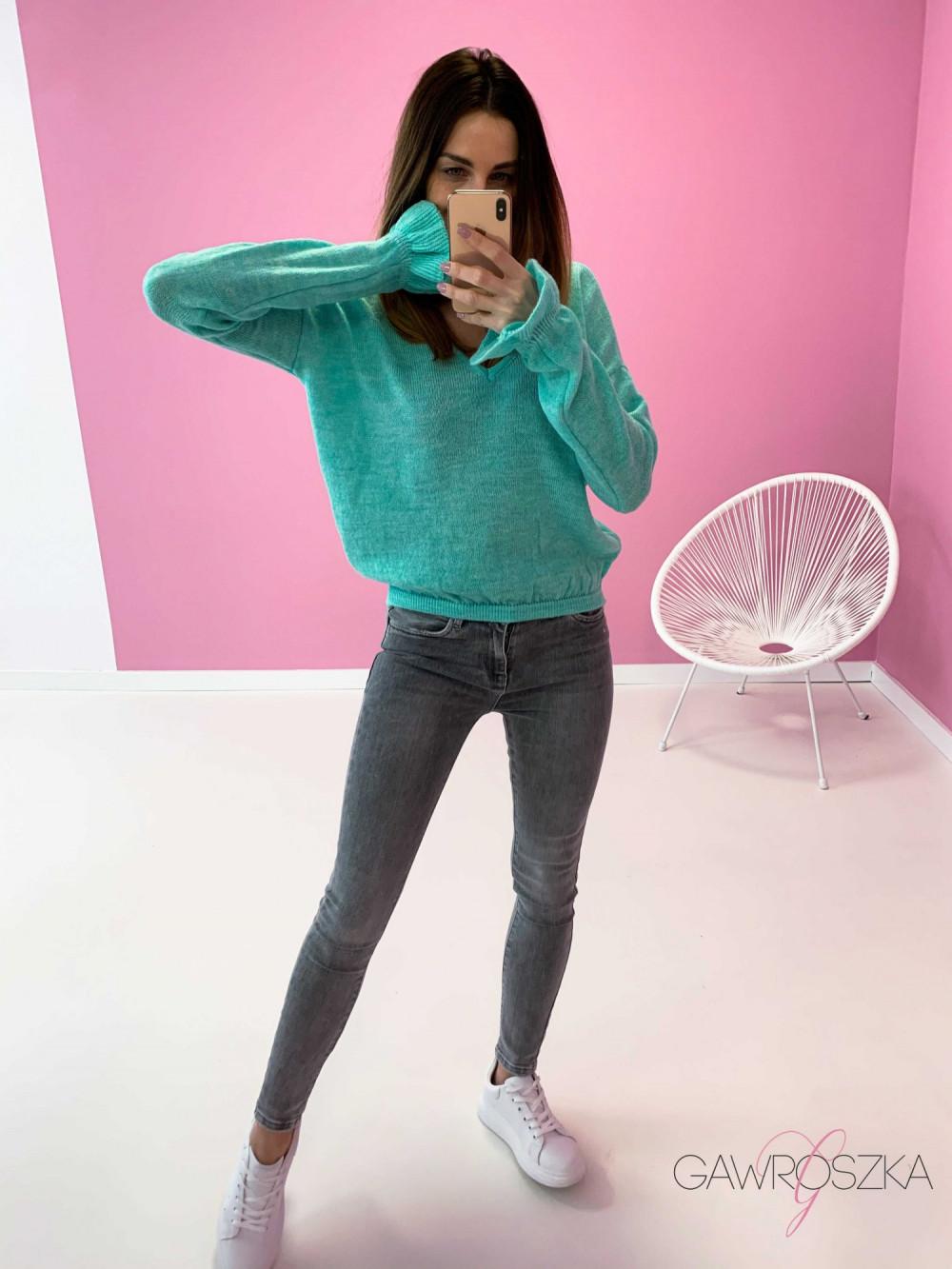 Sweter z falbanka na rękawie - mięta 2