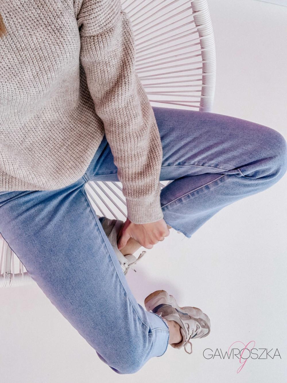 Spodnie jeans z wysokim stanem - prosta nogawka 1