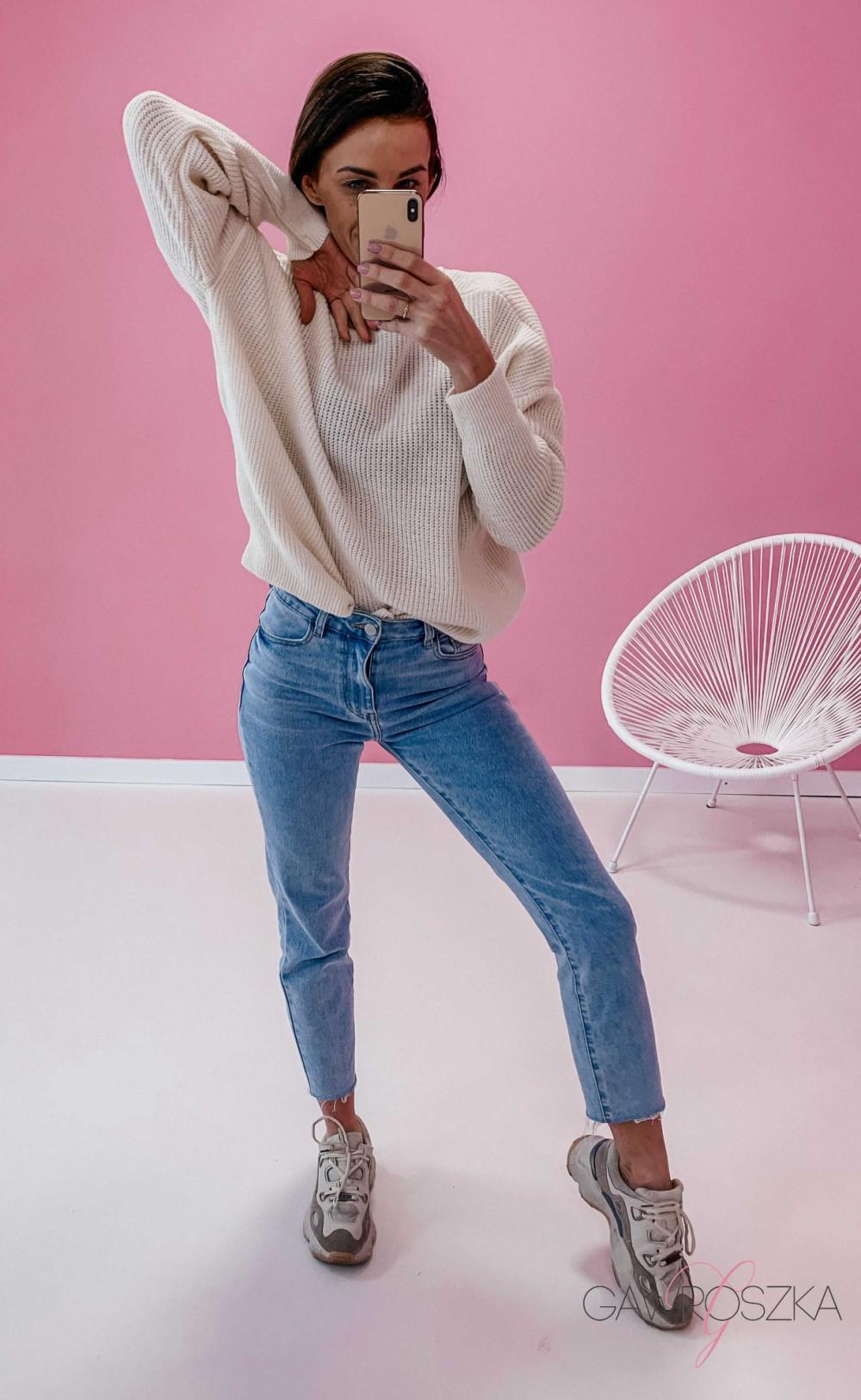 Spodnie jeans z wysokim stanem - prosta nogawka 4