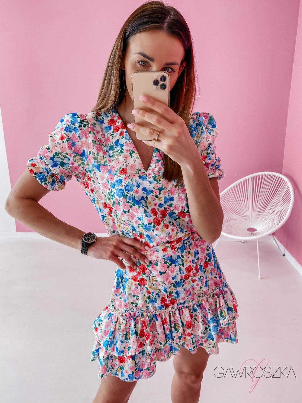 Sukienka Megi z krótkim rękawem - biała w kolorowe kwiatuszki 7
