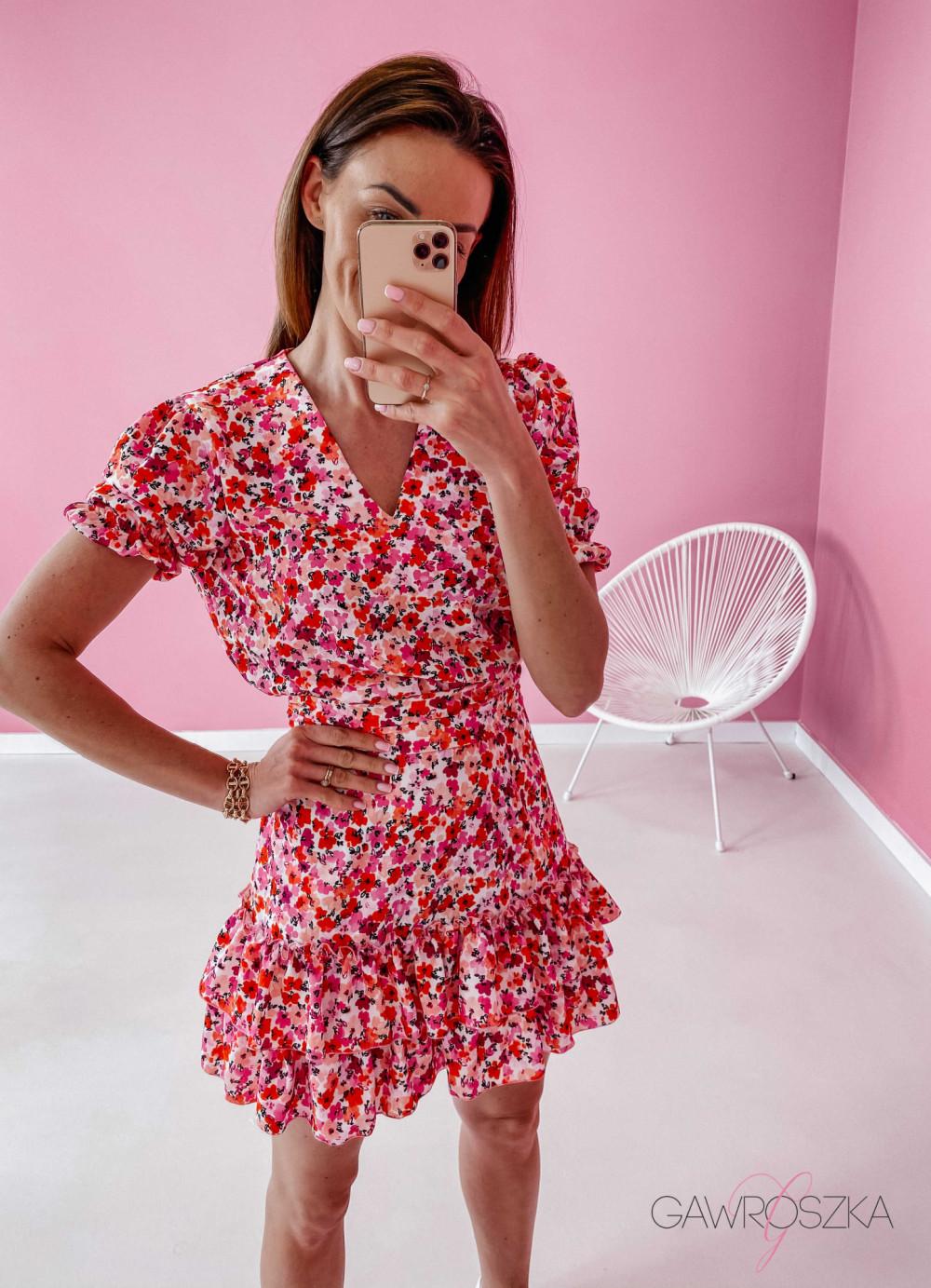 Sukienka Megi z krótkim rękawem - biała w czerwone kwiaty 2