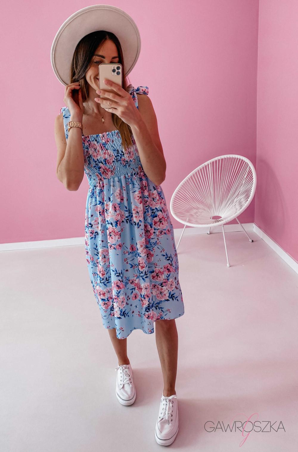 Sukienka z wiązaniem Lili - błękitna w kwiaty 2