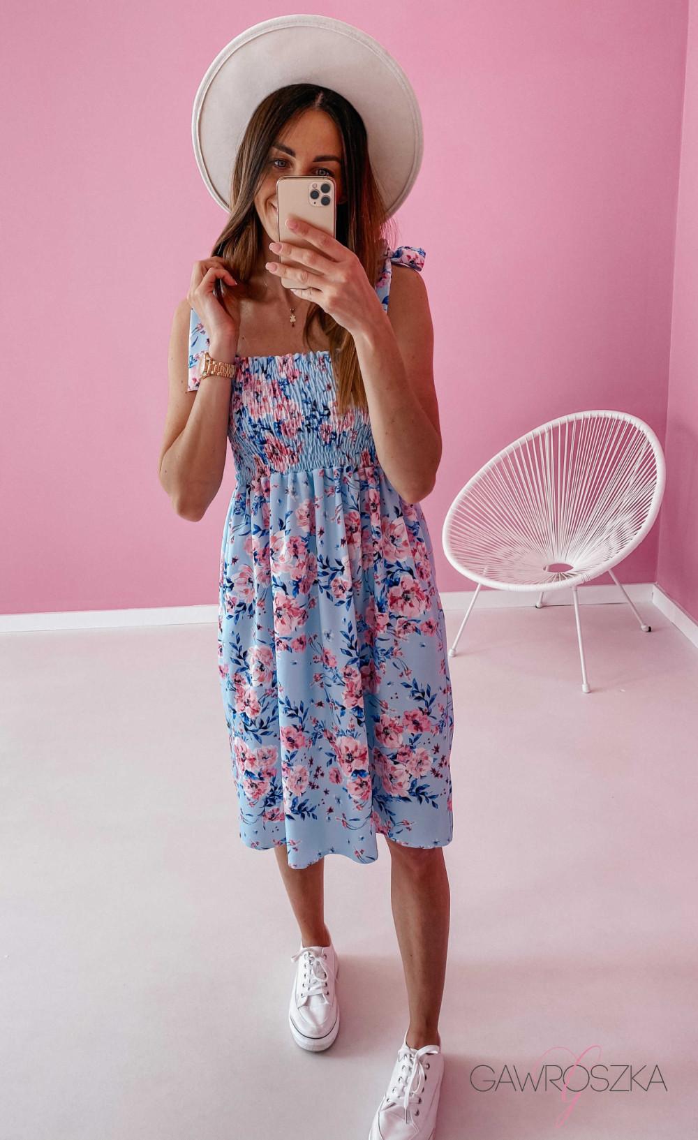Sukienka z wiązaniem Lili - błękitna w kwiaty 3