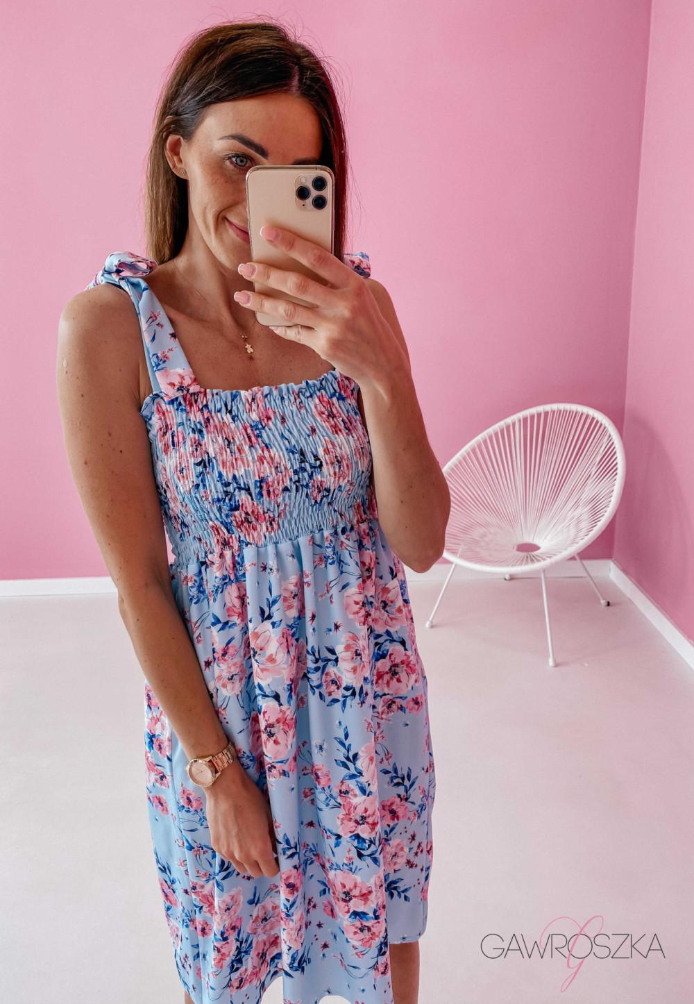 Sukienka z wiązaniem Lili - błękitna w kwiaty 7