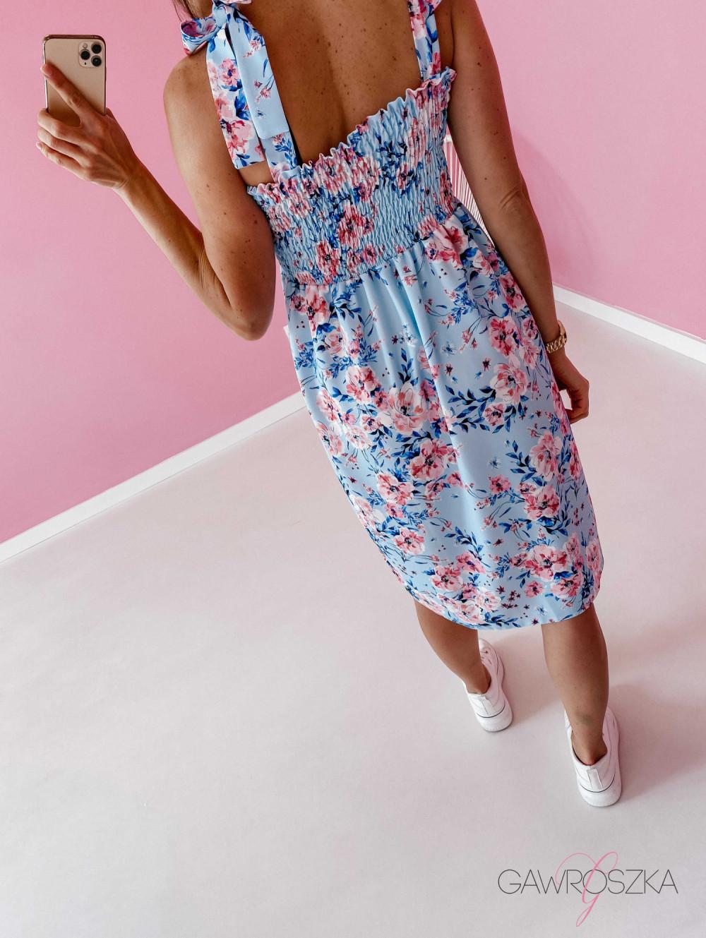 Sukienka z wiązaniem Lili - błękitna w kwiaty 9