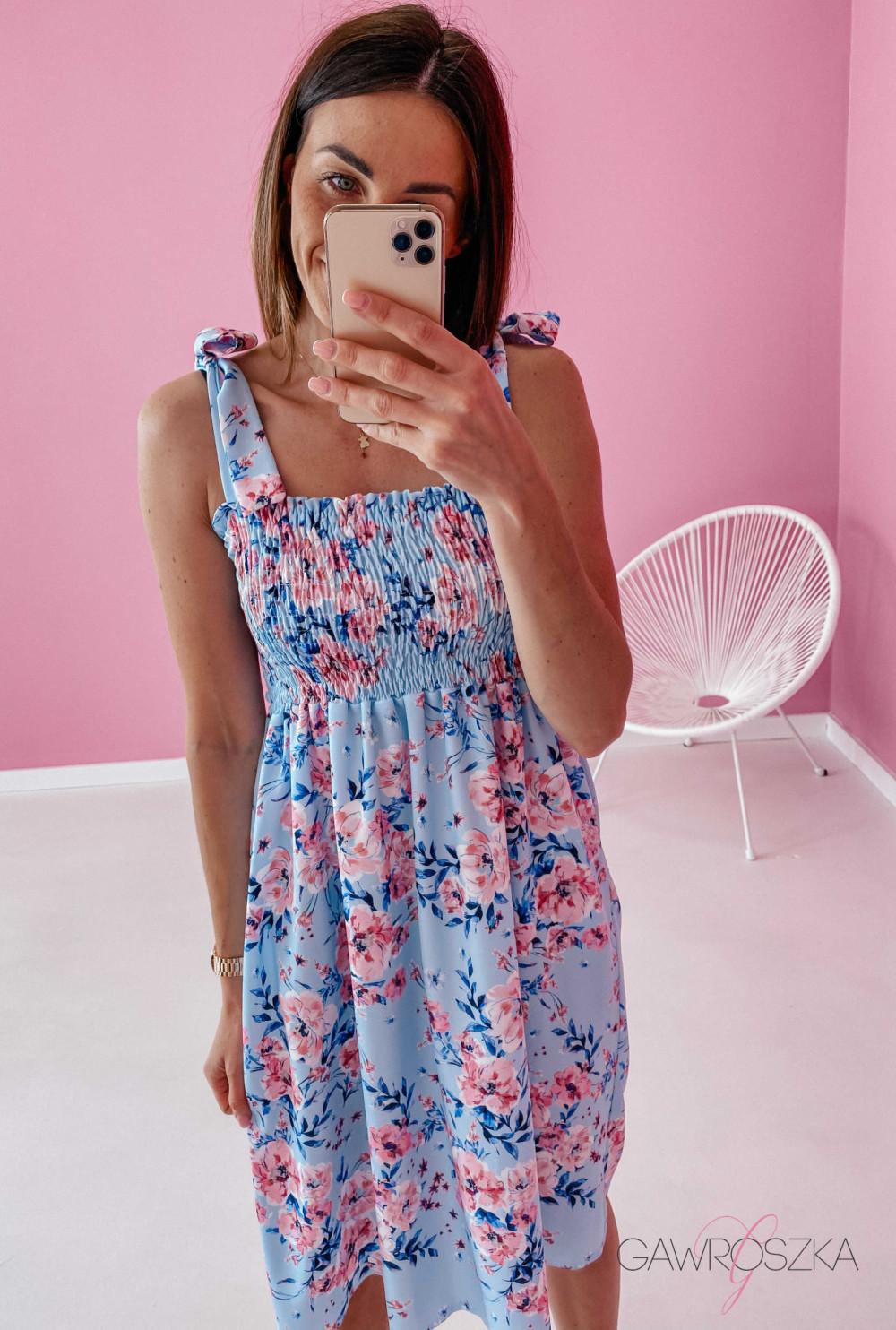 Sukienka z wiązaniem Lili - błękitna w kwiaty 1
