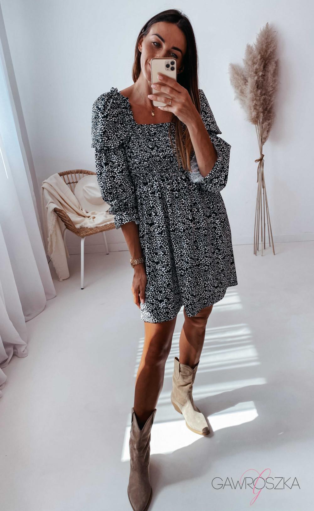 Sukienka Pola - czarna w białe kwiatuszki 5