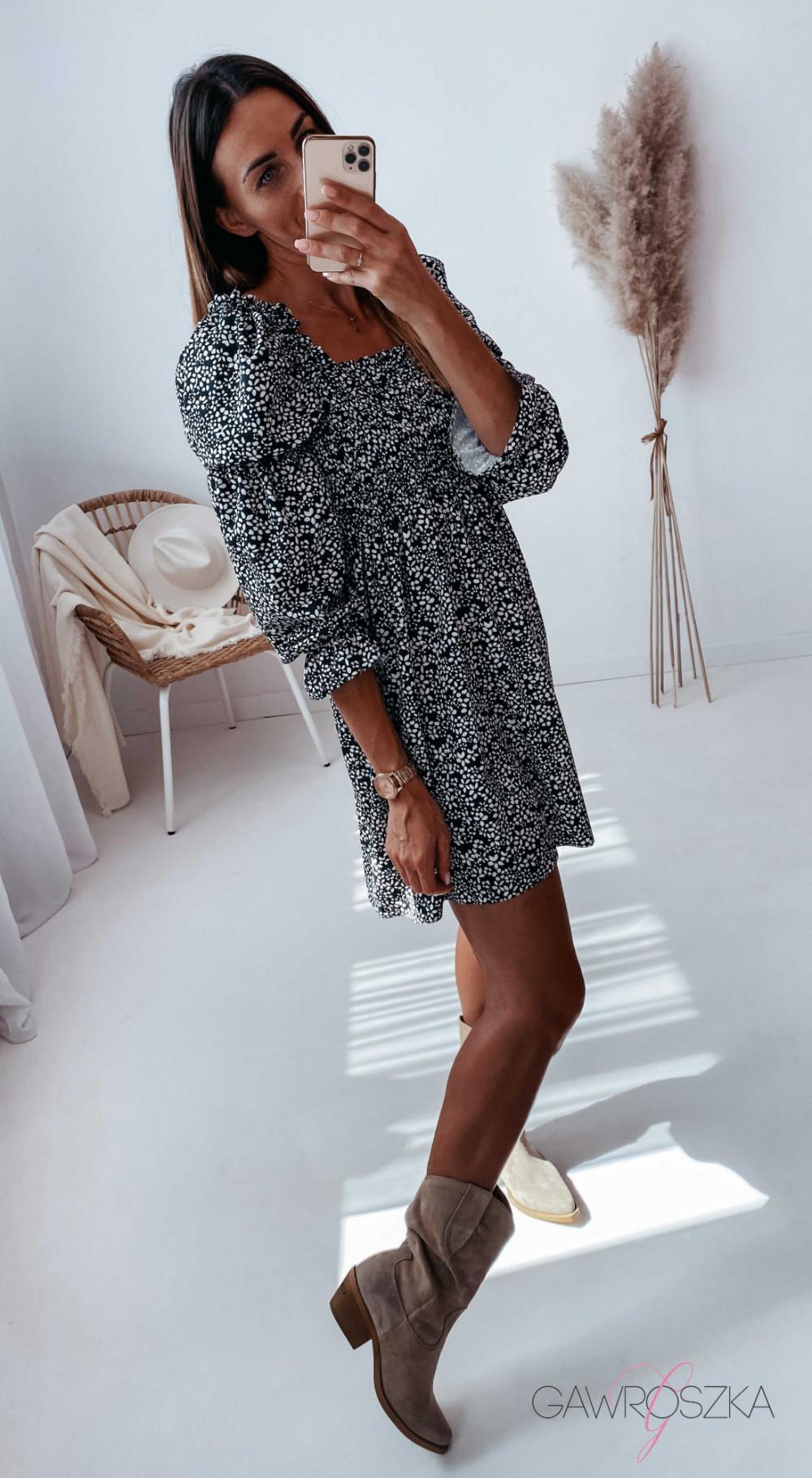 Sukienka Pola - czarna w białe kwiatuszki 6