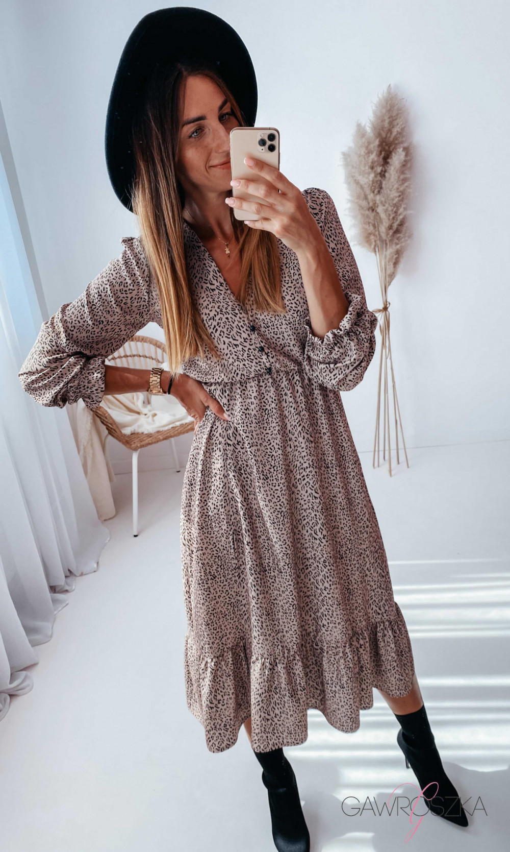 Sukienka Megi Midi Premium - beżowa w centki 17