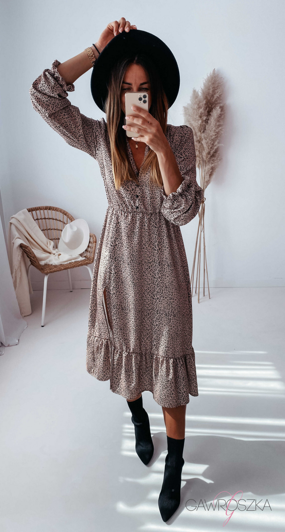 Sukienka Megi Midi Premium - beżowa w centki 15