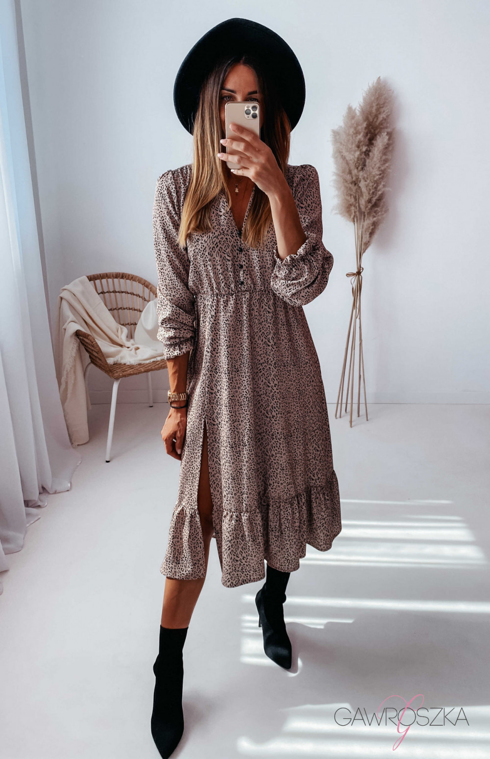 Sukienka Megi Midi Premium - beżowa w centki 9
