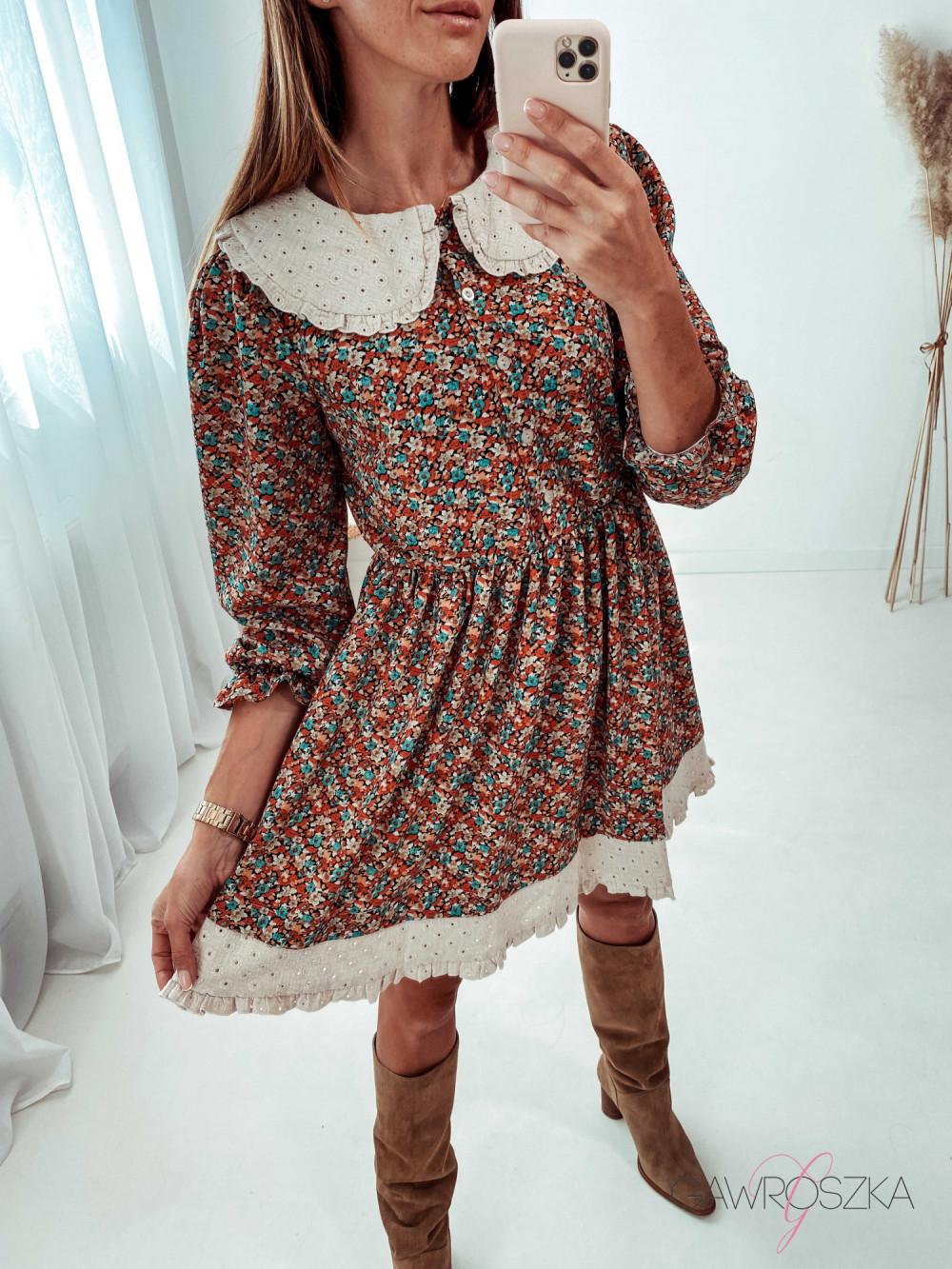 Sukienka z haftowanym kołnierzykiem - kolorowe kwiaty 6