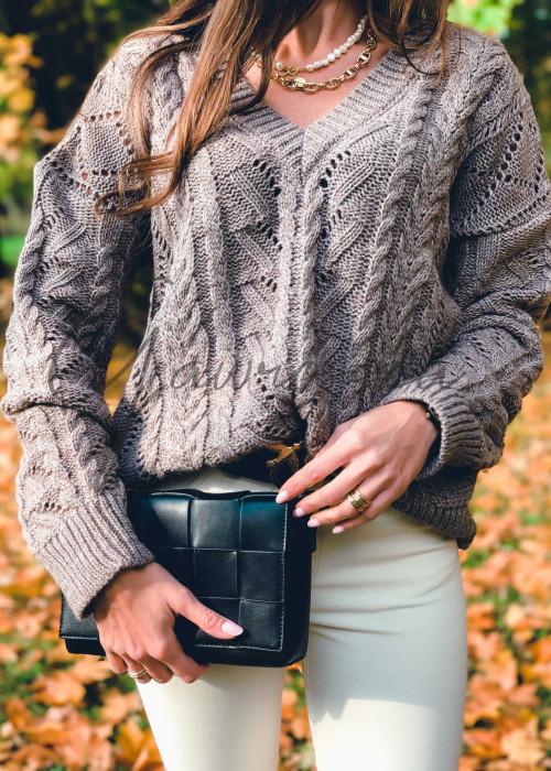 Sweter z warkoczami - brąz