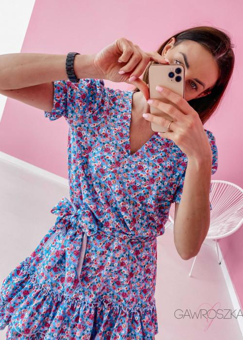 Sukienka Megi z krótkim rękawem - błękitna w kwiatuszki