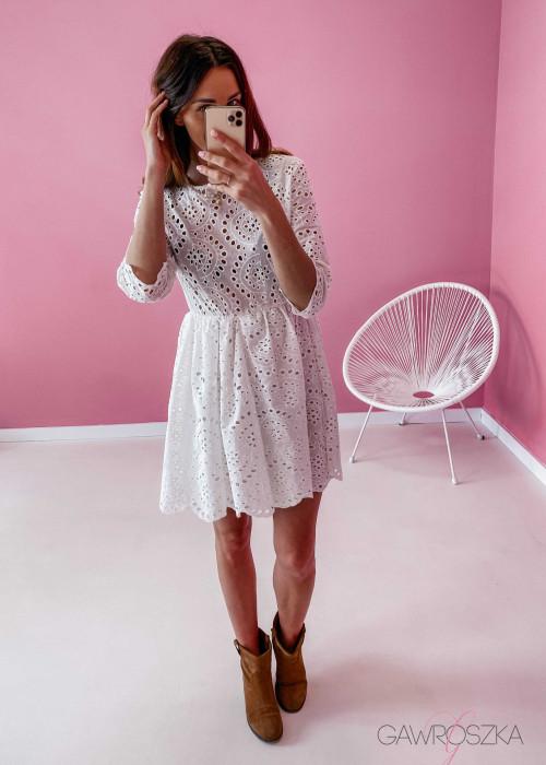 Sukienka ażurowa - biała