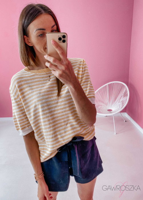 Sweter w paski - żółty